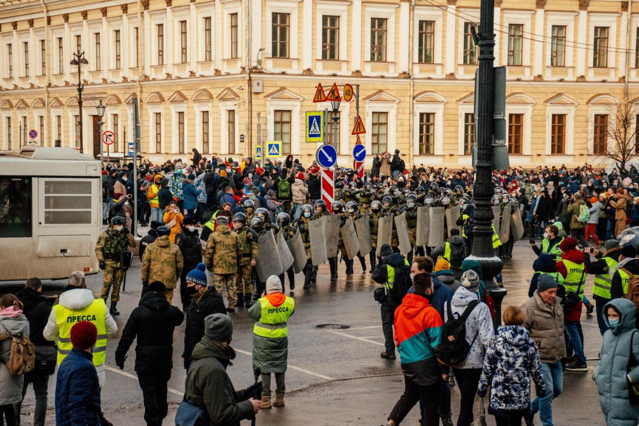 «Медуза»: ФСБ насчитала на двух январских протестах 90 тысяч участников