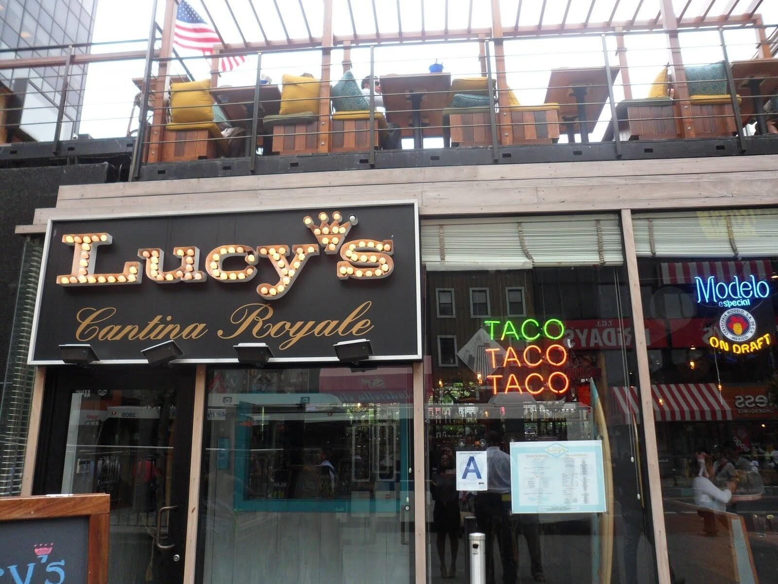 Сотрудницу ресторана в Нью-Йорке уволили из-за «Путин-бургера»