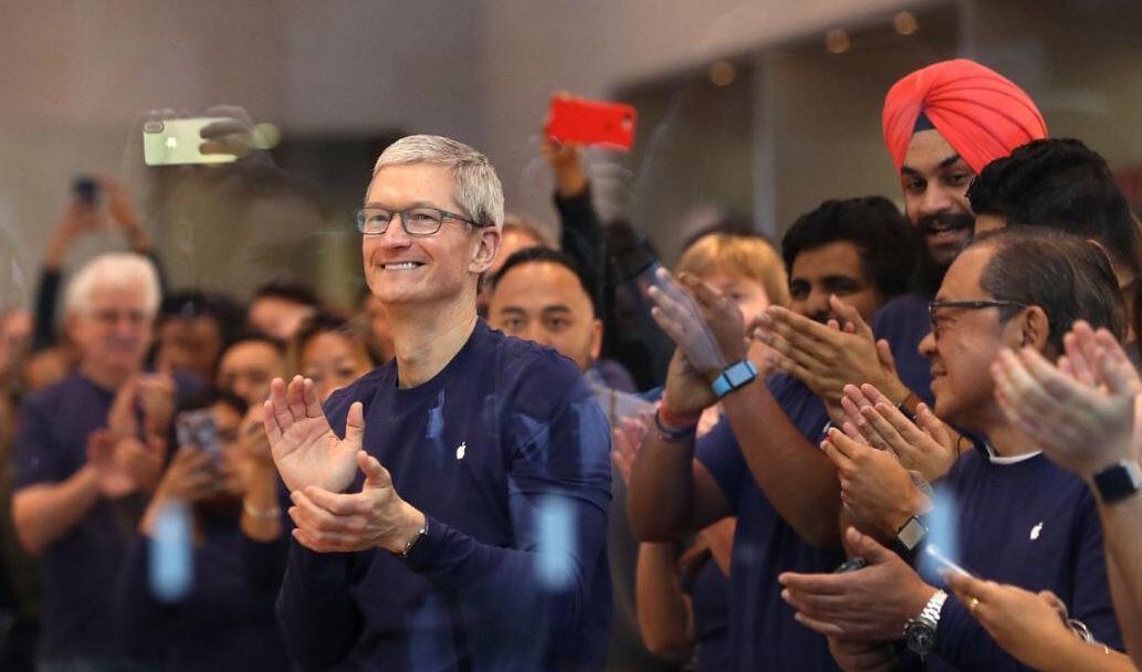 «Надеюсь, доживу до смерти наличных денег»: что рассказал Тим Кук на собрании акционеров Apple