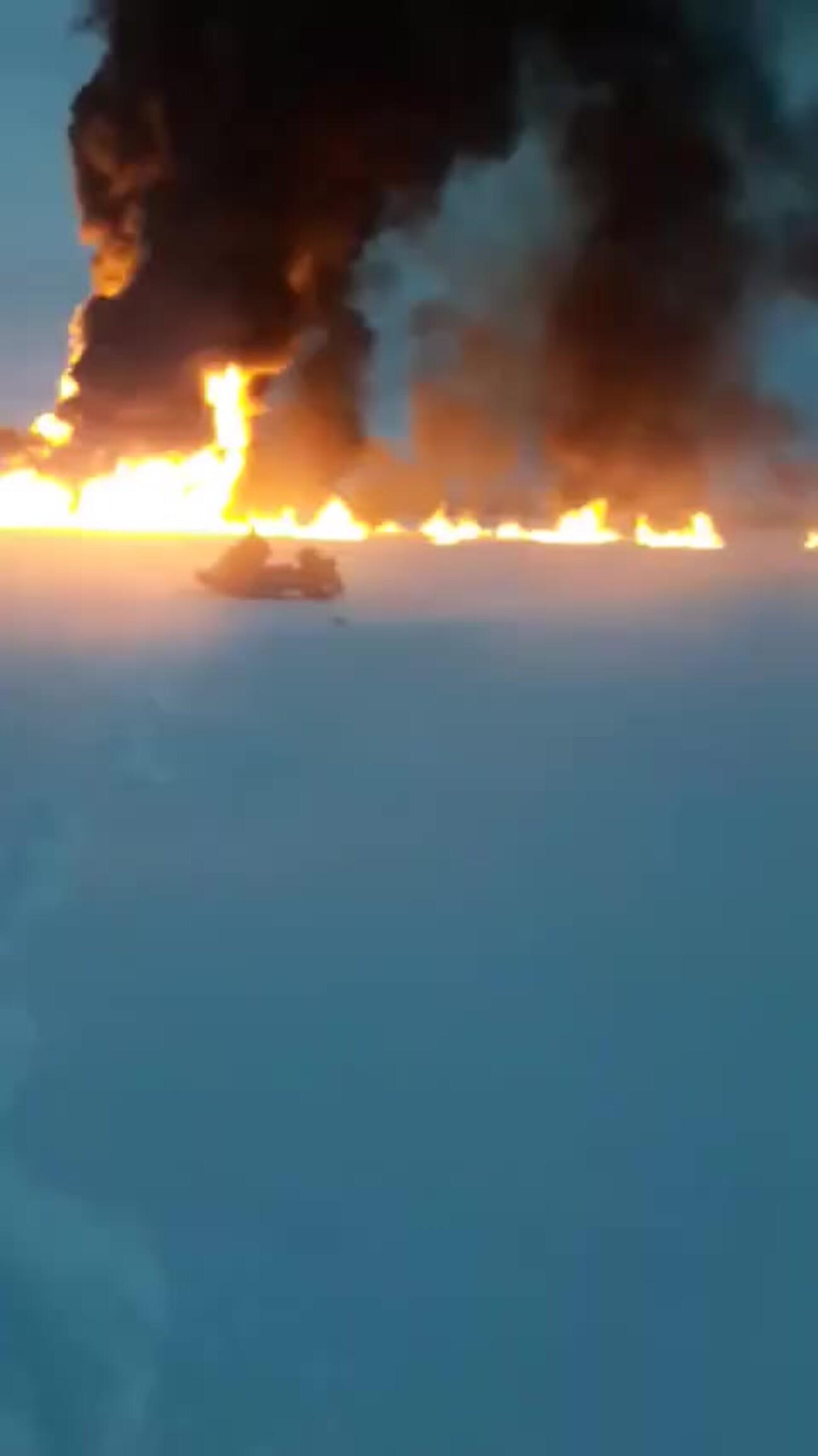 На реке Обь произошёл пожар из-за утечки газа на трубопроводе