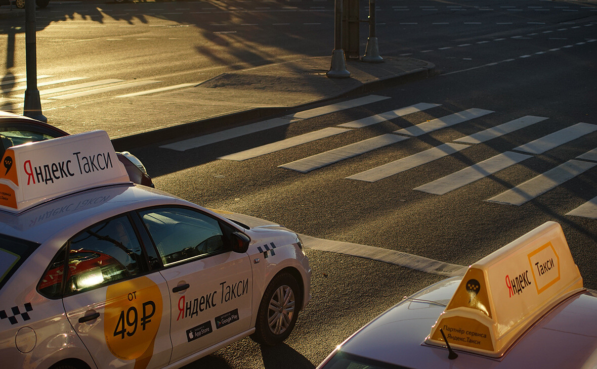 «Яндекс.Такси» купила платформу для управления таксопарками «НауТакси»