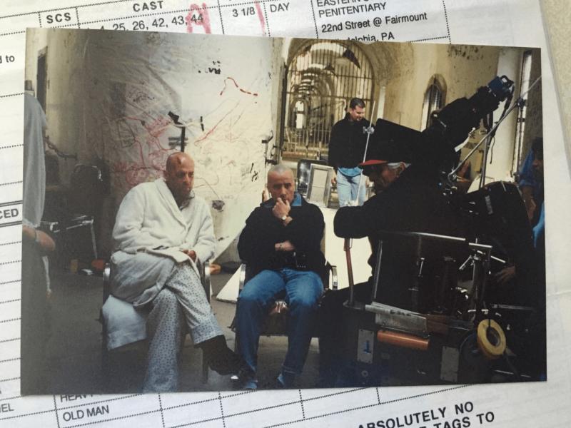 Брюс Уиллис в импровизированной психбольнице. Из личного архива Анны М. Элиас