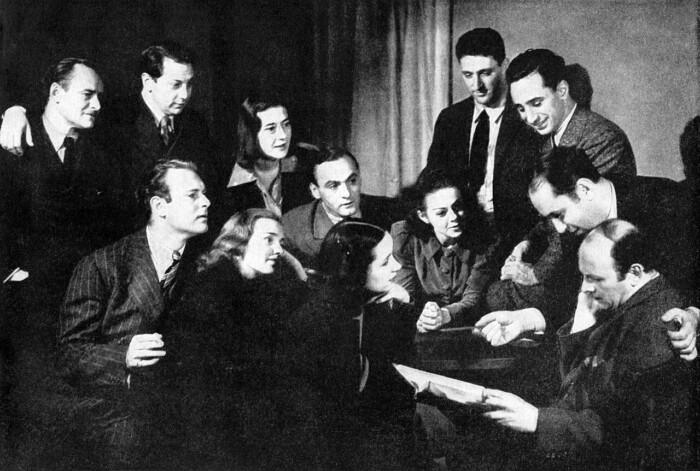 Драматурги театра «Группа» в 1938 году