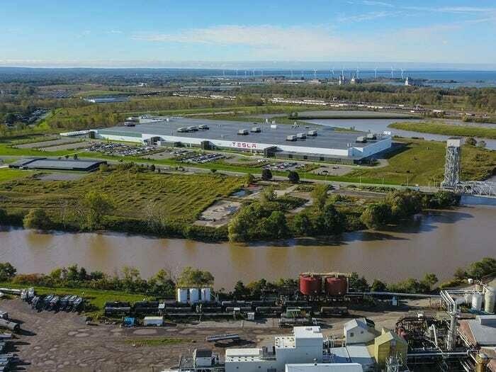 Panasonic прекратит производство солнечных батарей на заводе Tesla в Буффало