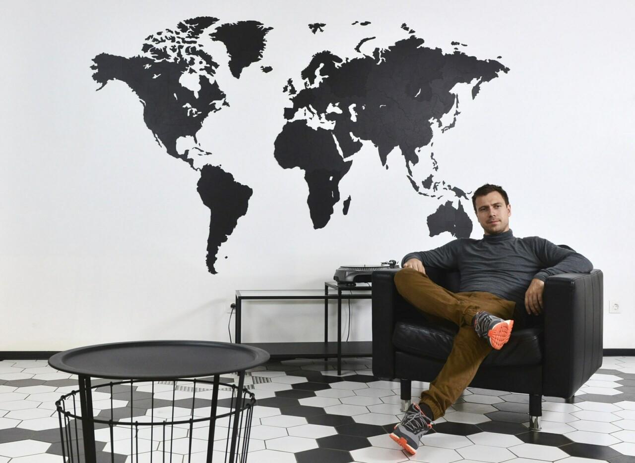 Ценность ошибки: сделать бизнес на декоре для стен и найти клиентов в 30 странах — после нескольких неудач и банкротства