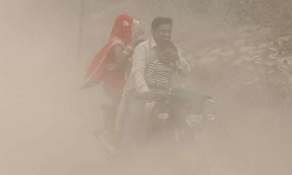 Репортаж из соцсетей: Смог в Дели