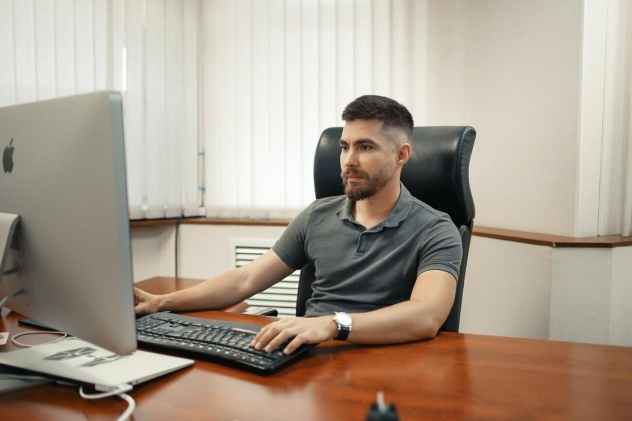 «Сейчас все хотят запустить онлайн-магазин»: основатель Ecwid Руслан Фазлыев о работе без отдыха и доверии инвесторов