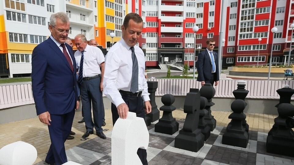 Bloomberg назвал Собянина и Набиуллину кандидатами на замену Медведеву