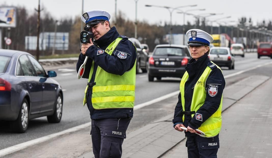 «Оказалось, что они могут выписывать предупреждения вместо штрафов»: как протестует польская полиция