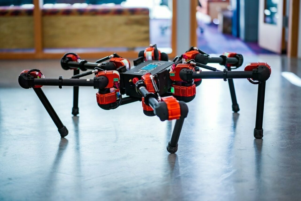 Facebook рассказала о своих разработках в области робототехники — она учит роботов с поддержкой ИИ познавать мир