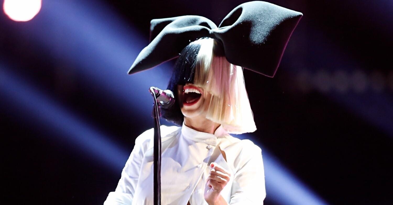 Певица Sia опубликовала свою обнажённую фотографию, чтобы опередить папарацци