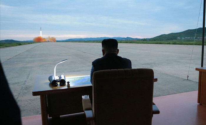"""Ким Чен Ын назвал запуск ракеты """"прелюдией"""" к удару по Гуаму"""