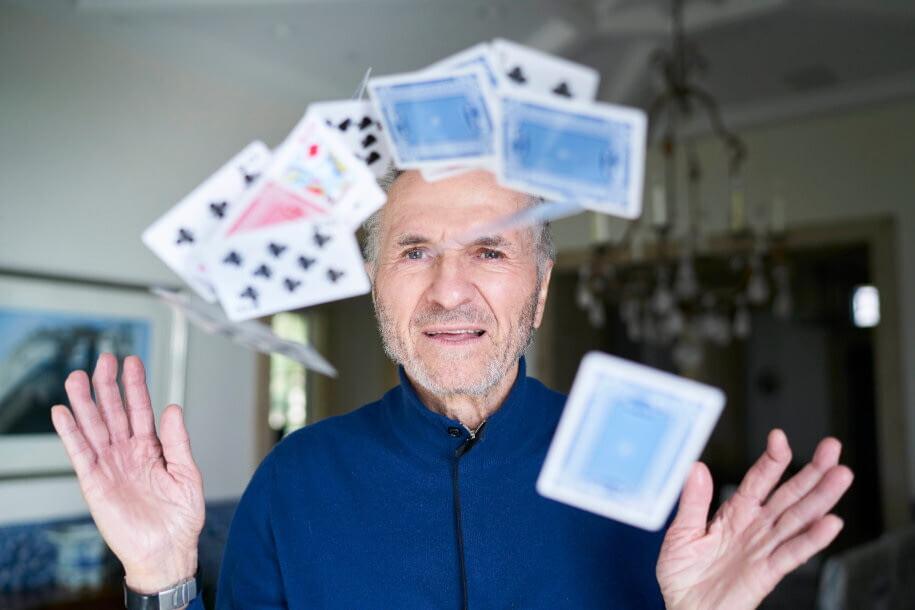 Математик Эдвард Торп обыграл казино и заработал $800 млн на Уолл-стрит 12