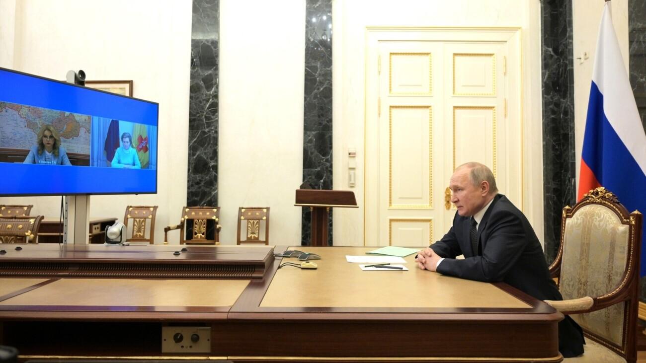 Всем две недели отпуска за счёт заведения: первая реакция бизнеса и не только на длинные майские выходные от Путина