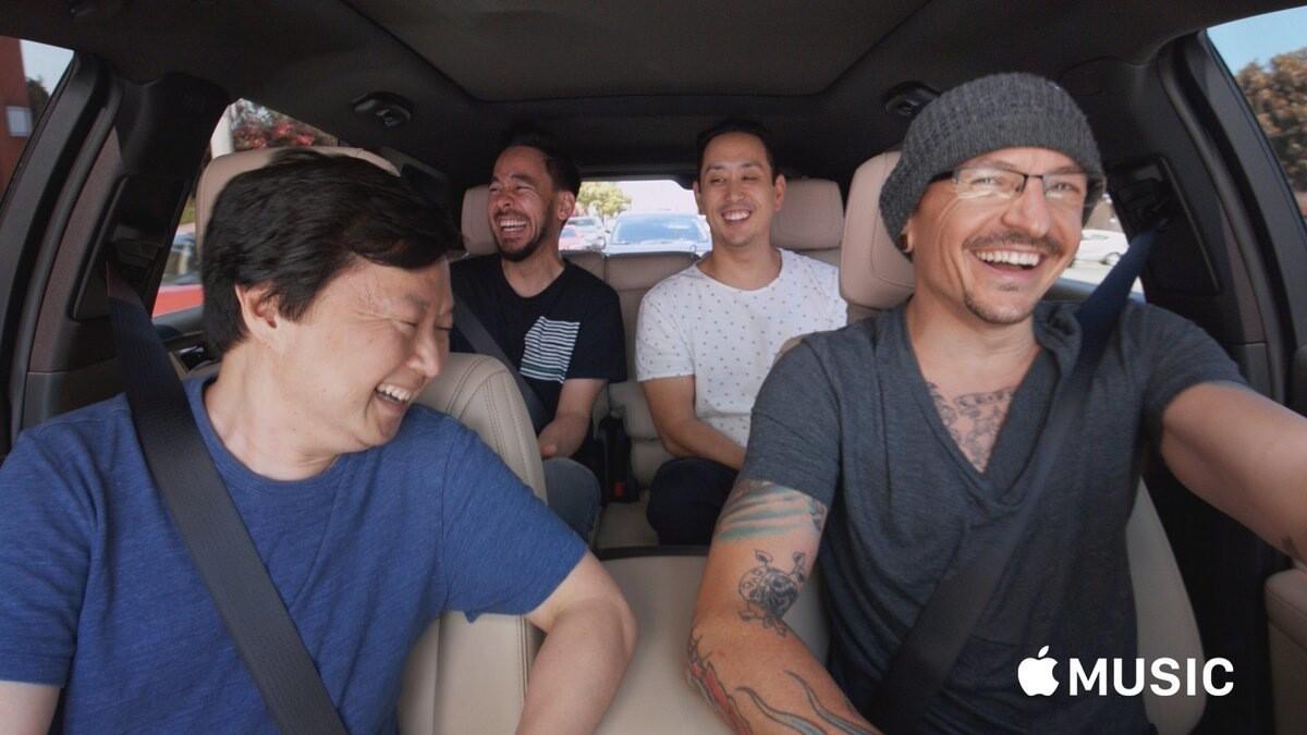Группа Linkin Park опубликовала выпуск Carpool Karaoke с Честером Беннингтоном