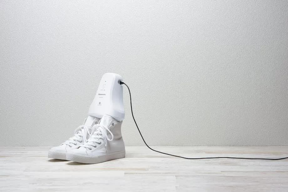Panasonic создала «дезодорант для обуви», который убирает все неприятные запахи за пять часов