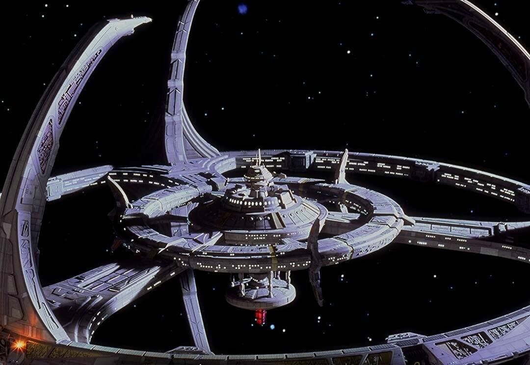 Станция «Глубокий космос 9»