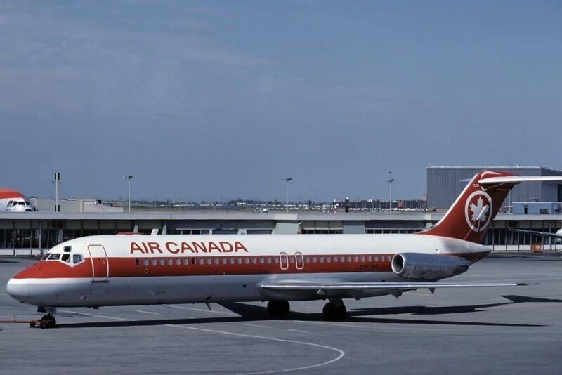 Самолёт DC-9, идентичный сгоревшемуФото Airliners