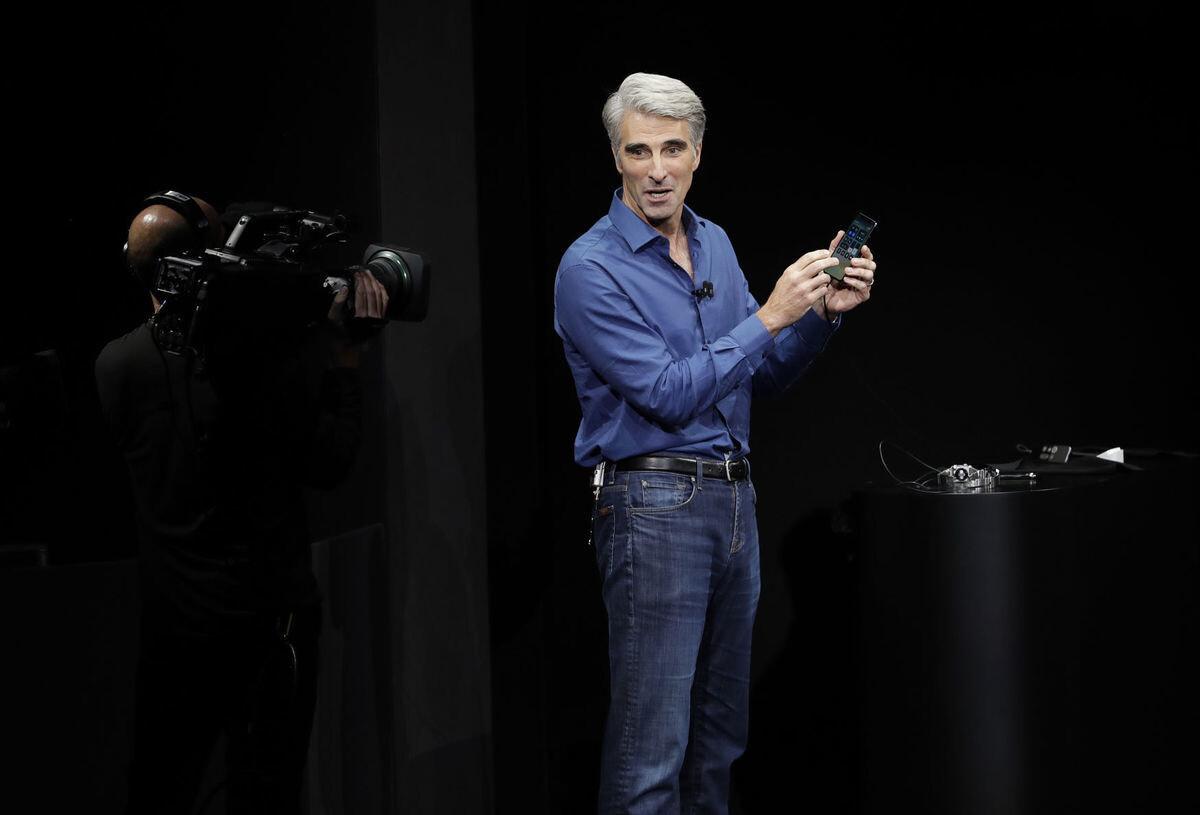 Apple объяснила неудачную попытку разблокировки Face ID на презентации