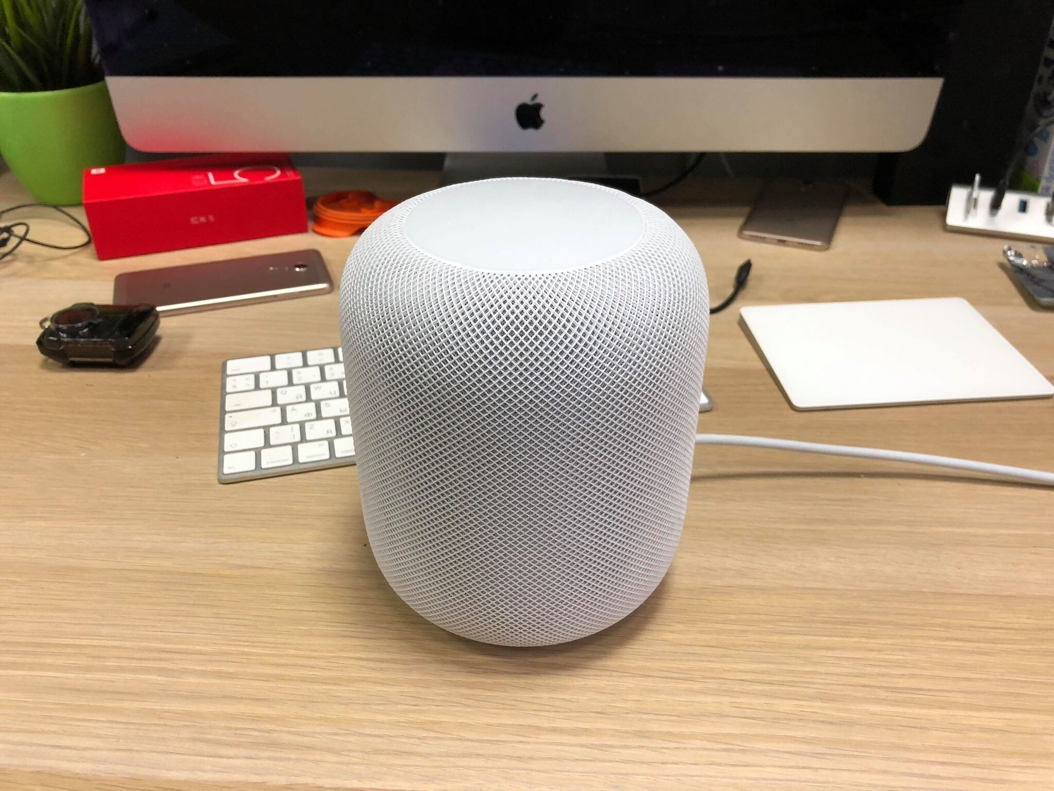 HomePod, день первый: впечатления русскоязычных пользователей «умной» колонки Apple