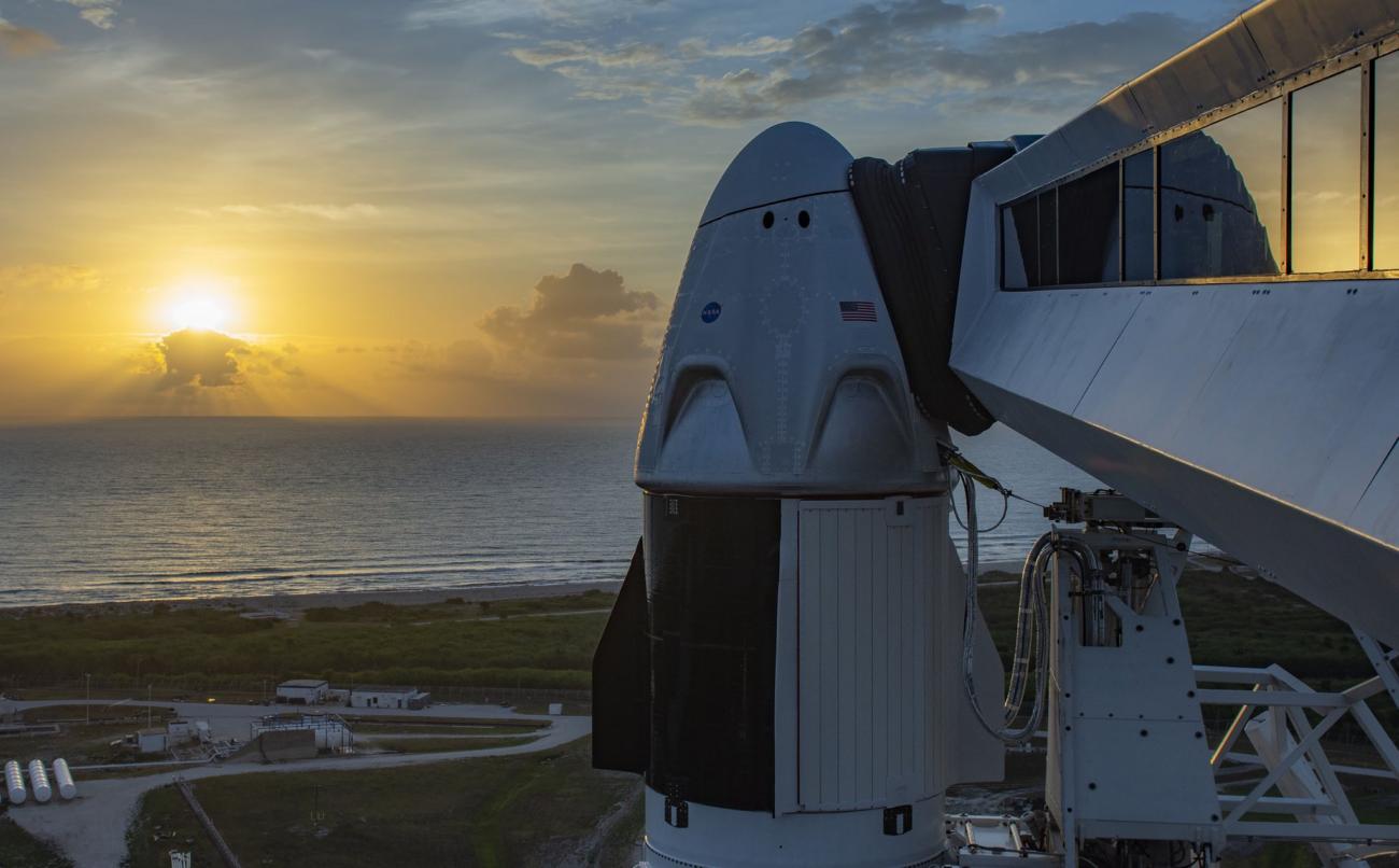 Где смотреть трансляцию запуска SpaceX Crew Dragon: официально, с комментариями экспертов и на русском языке
