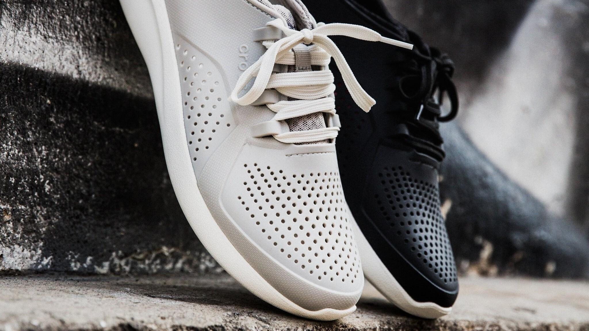 Производитель обуви Crocs закроет свои фабрики и перенесёт производство к партнёрам