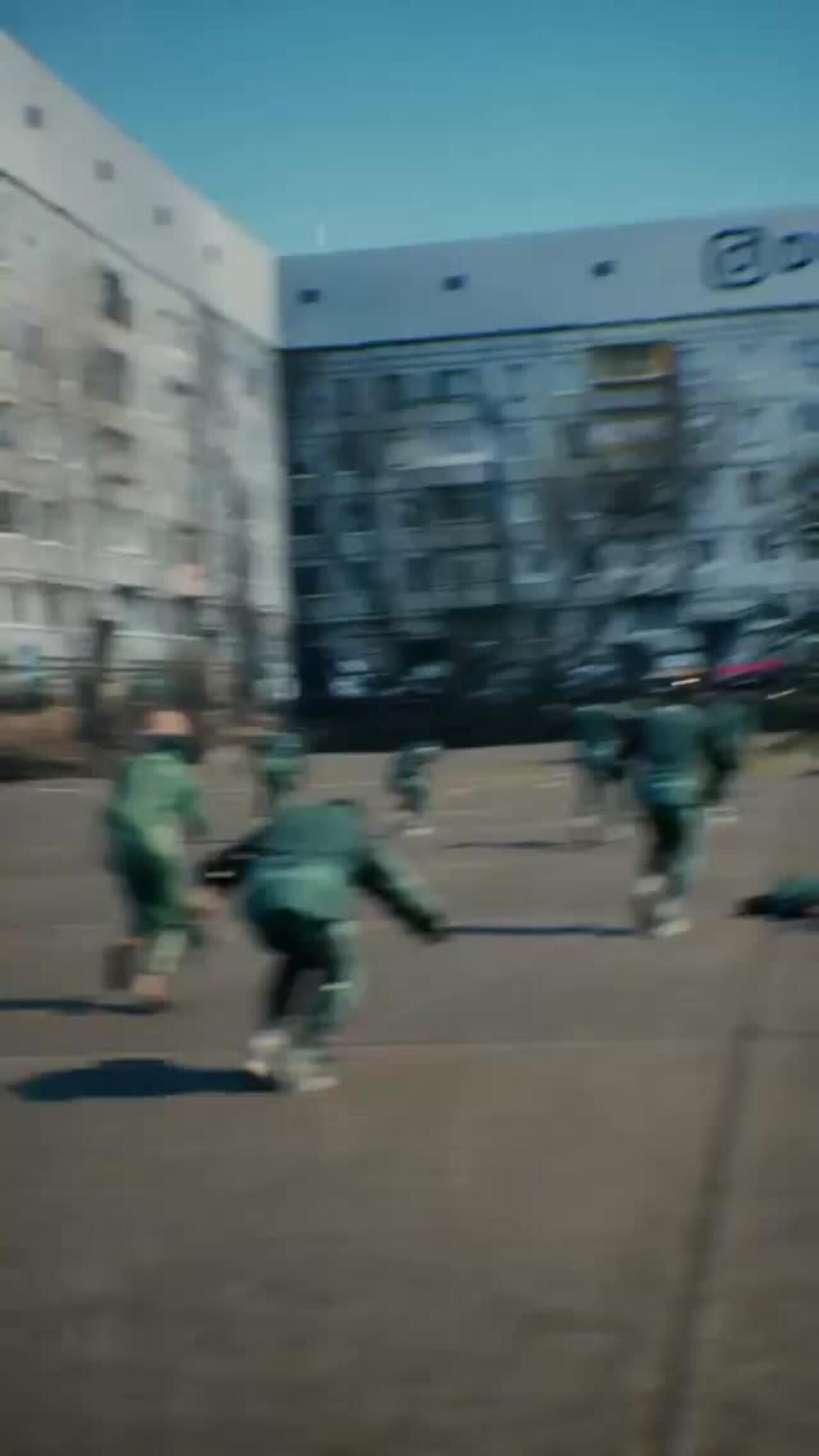 Якутский дизайнер создал российскую версию серии «Игры в кальмара» — с матрёшкой и панельными многоэтажками