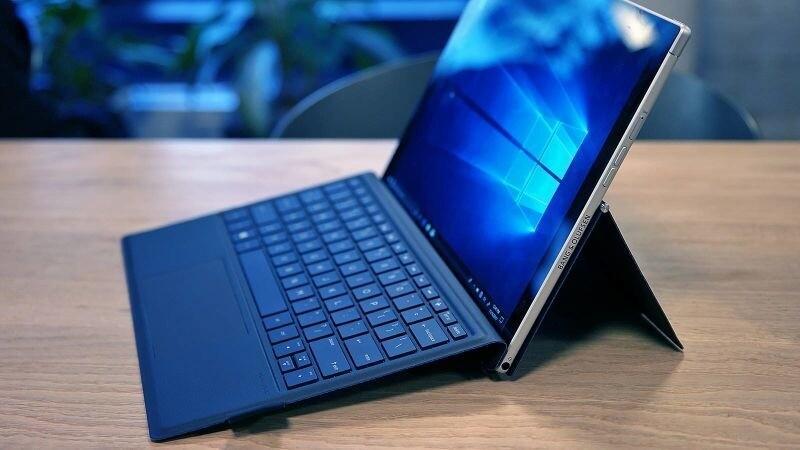 Microsoft представила первые ARM-ноутбуки на Windows 10, работающие более 20 часов