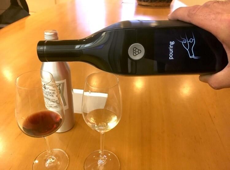 Привлёкший $9 млн разработчик «умной» бутылки для вина Kuvee объявил о закрытии