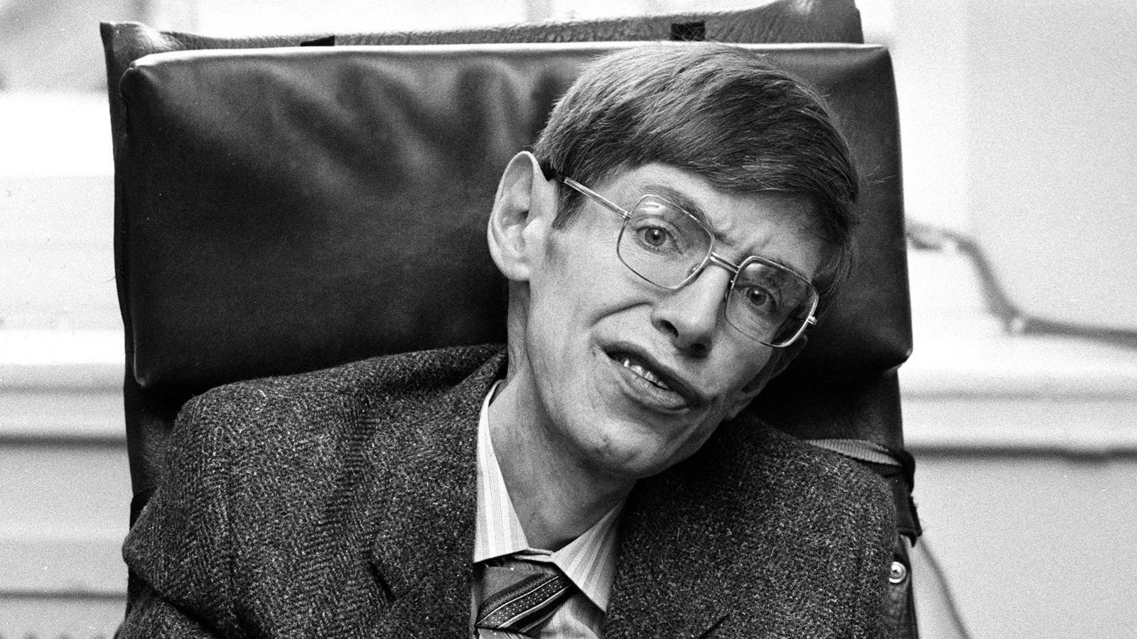 «Редкий свет во Вселенной»: интернет скорбит по Стивену Хокингу