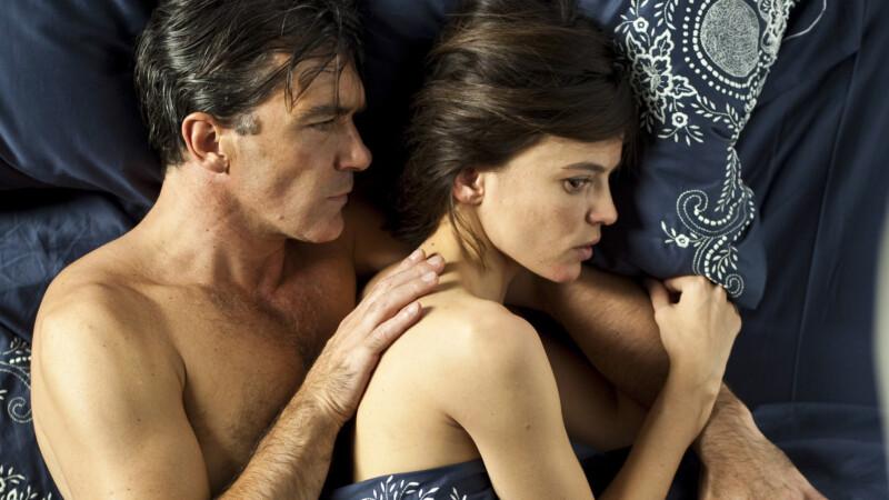 Интимная Сцена С Еленой Анайей – Кожа, В Которой Я Живу (2011)