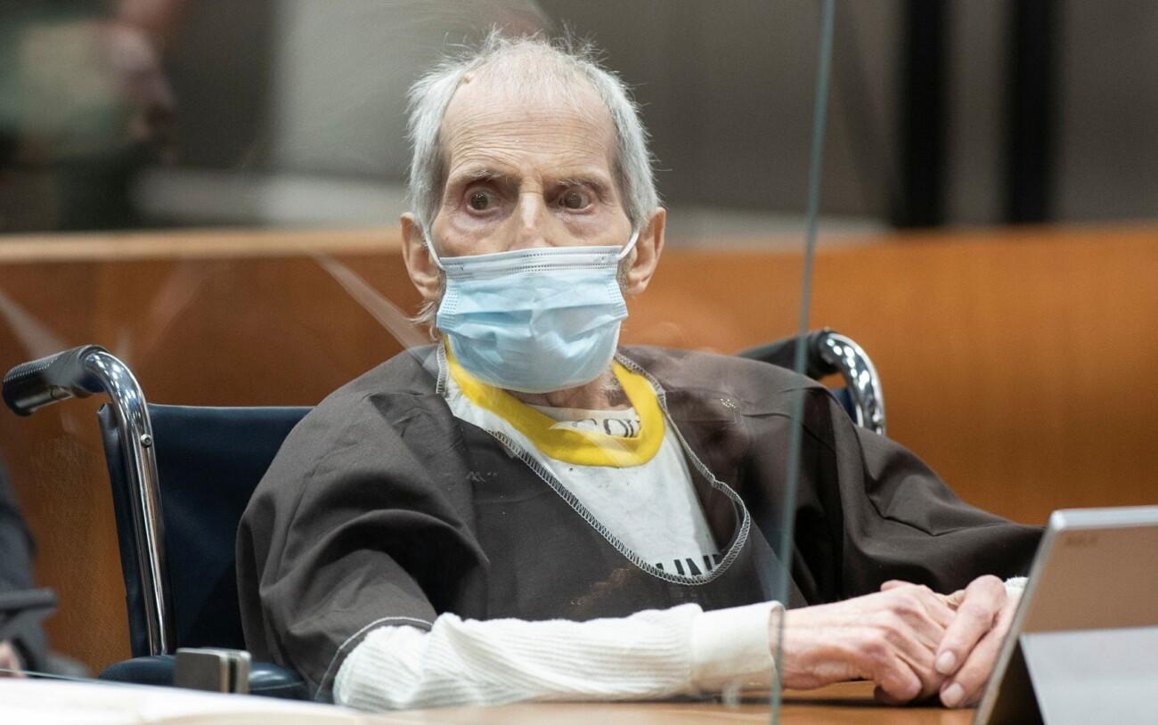 Миллионера Роберта Дёрста приговорили к пожизненному сроку. Он случайно сознался в убийстве на съёмках сериала о себе